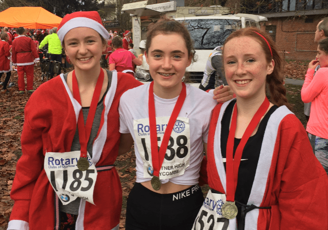3 x U15G Girls at Santa Fun Run Marlow